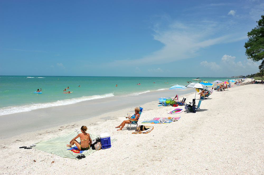 White sand Beach, Bonita Beach near Fort Myers, Gulf of Mexico, Florida, USA
