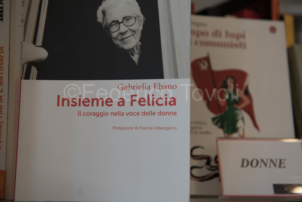 There is also a section dedicated to a specialized bookstore at Libera's shop