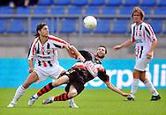 23-08-2008 VOETBAL:WILLEM II:RAYO VALLECANO:TILBURG<br /> Paul Quasten in duel met Aganzo<br /> Foto: Geert van Erven