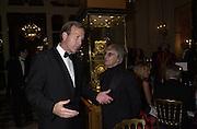 Neil Bush and Bernard Ecclestone. Crillon Haute Couture Ball. Crillon Hotel, Paris. 2 December 2000. © Copyright Photograph by Dafydd Jones 66 Stockwell Park Rd. London SW9 0DA Tel 020 7733 0108 www.dafjones.com