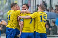 Voetbal Hoornaar Hoofdklasse B 2013-2014 SteDoCo - Staphorst: L-R Team Staphorst viert de openingstreffer