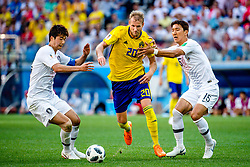 June 18, 2018 - Nizhny Novgorod, Russia - 180618 Ola Toivonen of Sweden and Wooyoung Jung of South Korea during the FIFA World Cup group stage match between Sweden and South Korea on June 18, 2018 in Nizhny Novgorod..Photo: Petter Arvidson / BILDBYRN / kod PA / 92070 (Credit Image: © Petter Arvidson/Bildbyran via ZUMA Press)