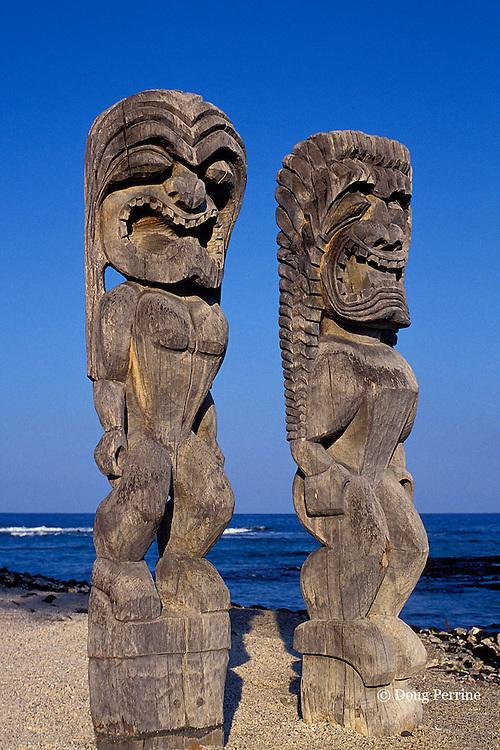 tikis at Pu'uhonua o Honaunau, Place of Refuge, Hawaii, Big Island of Hawaii, USA ( Central Pacific )