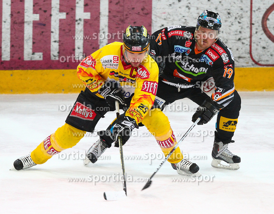 09.03.2010, Albert Schultz Halle, Wien, AUT, EBEL, Vienna Capitals vs Black Wings Linz, im Bild Zweikampf zwischen Benoit Gratton, Vienna Capitals und Shearer Rob, EHC LIWEST Black Wings Linz , EXPA Pictures © 2010, PhotoCredit: EXPA/ T. Haumer / SPORTIDA PHOTO AGENCY
