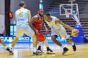 """DESCRIZIONE : Torneo Città di Sassari """"Mimì Anselmi"""" Lokomotiv Kuban Krasnodar - Enel Brindisi<br /> GIOCATORE : Demonte Harper<br /> CATEGORIA : Palleggio Penetrazione Blocco<br /> SQUADRA : Enel Brindisi<br /> EVENTO :  Torneo Città di Sassari """"Mimì Anselmi"""" <br /> GARA : Lokomotiv Kuban Krasnodar - Enel Brindisi<br /> DATA : 14/09/2014<br /> SPORT : Pallacanestro <br /> AUTORE : Agenzia Ciamillo-Castoria / Luigi Canu<br /> Galleria : Precampionato 2014/2015<br /> Fotonotizia : Torneo Città di Sassari """"Mimì Anselmi"""" Lokomotiv Kuban Krasnodar - Enel Brindisi<br /> Predefinita :"""