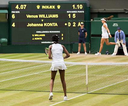 VENUS WILLIAMS (USA), JOHANNA KONTA (GBR) springt im Hintergrund,<br /> <br /> Tennis - Wimbledon 2017 - Grand Slam ITF / ATP / WTA -  AELTC - London -  - Great Britain  - 13 July 2017.