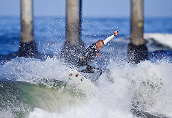 HUNTINGTON BEACH, California/USA (Thursday,Aug 4, 2011) 10-Time ASP World Champion Kelly Slater (Cocoa Beach, FL), 39, shreds a wave during heat 6 thursday morning at the U.S. Open of Surfing 2011. Photo: Eduardo E. Silva.