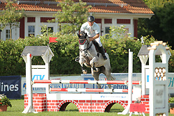 Kleis, Christian, Calinka<br /> Fehmarn - Holsteiner Masters<br /> Springpferde Kl. A, 5+6j. Pferde<br /> © www.sportfotos-lafrentz.de/ Stefan Lafrentz