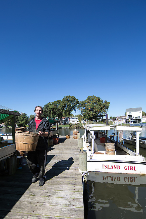 Unloading the Island Lady at the end of the day | October 11, 2015