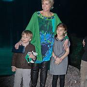 NLD/Rotterdam/20110202 - Boekpresentatie Mr. Finney door pr. Laurentien, met haar kinderen Claus - Casimier en Eloise