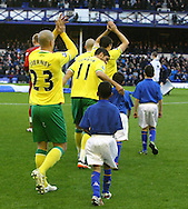 Picture by Paul Chesterton/Focus Images Ltd.  07904 640267.17/12/11.The Norwich team take to the pitch before the Barclays Premier League match at Goodison Park Stadium, Liverpool.