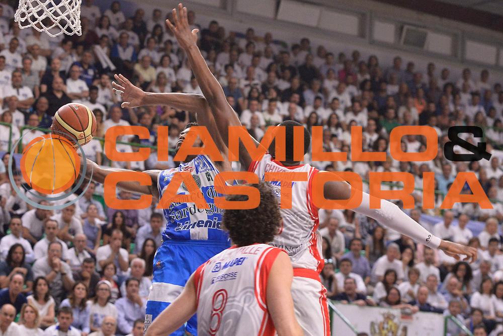 DESCRIZIONE : Sassari Lega A 2014-15 Dinamo Banco di Sardegna Sassari - Grissin Bon Reggio Emilia  Finale playoff  gara 3<br /> GIOCATORE :Brooks Jeff<br /> CATEGORIA :  Low Gancio Tiro Equilibrio<br /> SQUADRA : Banco di Sardegna Sassari<br /> EVENTO : LegaBasket Serie A Beko 2014/2015<br /> GARA : Dinamo Banco di Sardegna Sassari - Grissin Bon Reggio Emilia Finale playoff gara 3<br /> DATA : 18/06/2015 <br /> SPORT : Pallacanestro <br /> AUTORE : Agenzia Ciamillo-Castoria /Richard Morgano<br /> Galleria : Lega Basket A 2014-2015 Fotonotizia : Sassari Lega A 2014-15 Dinamo Banco di Sardegna Sassari - Grissin Bon Reggio Emilia playoff Semifinale gara 3<br /> Predefinita :