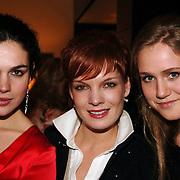NLD/Bussum/20051212 - Uitreiking Gouden Beelden 2005, BNN Bitches, Anna Drijver, Janna Fassaert en Sjaan Duinhoven.