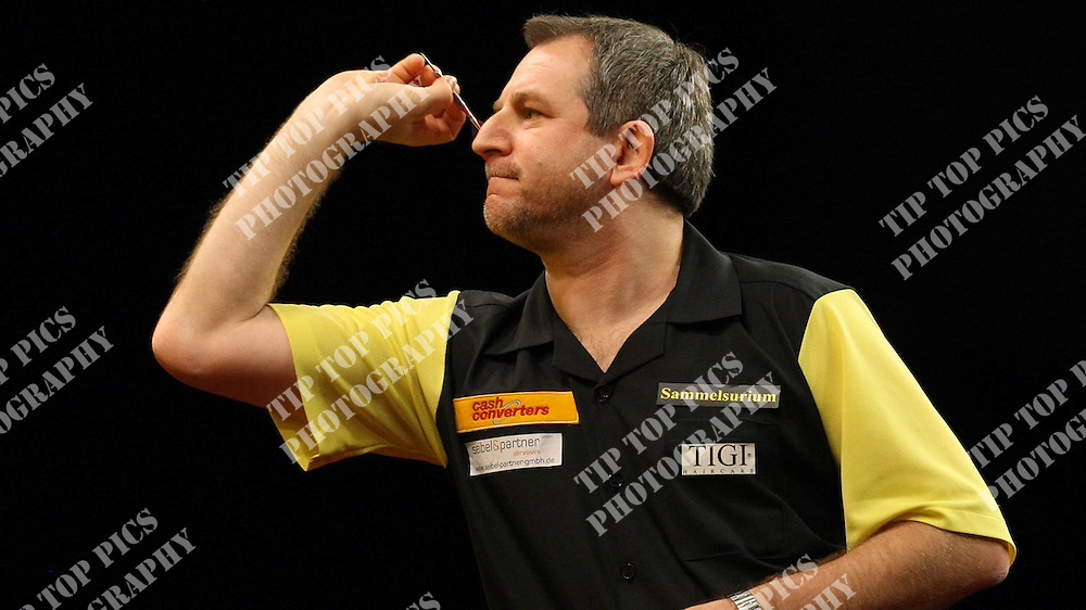 CASH CONVERTERS WORLD CUP OF DARTS 2012<br /> USA, DARIN YOUNG,GARY MAWSON,<br /> GERMANY,JYHAN ARTUT,BERND ROTH