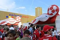 FUSSBALL INTERNATIONAL  Testspiel  30.05.2012  Schweiz - Rumaenien Werbestand von der Credit Swiss (re) und Ochsner Sport an der SWISSPOR ARENA