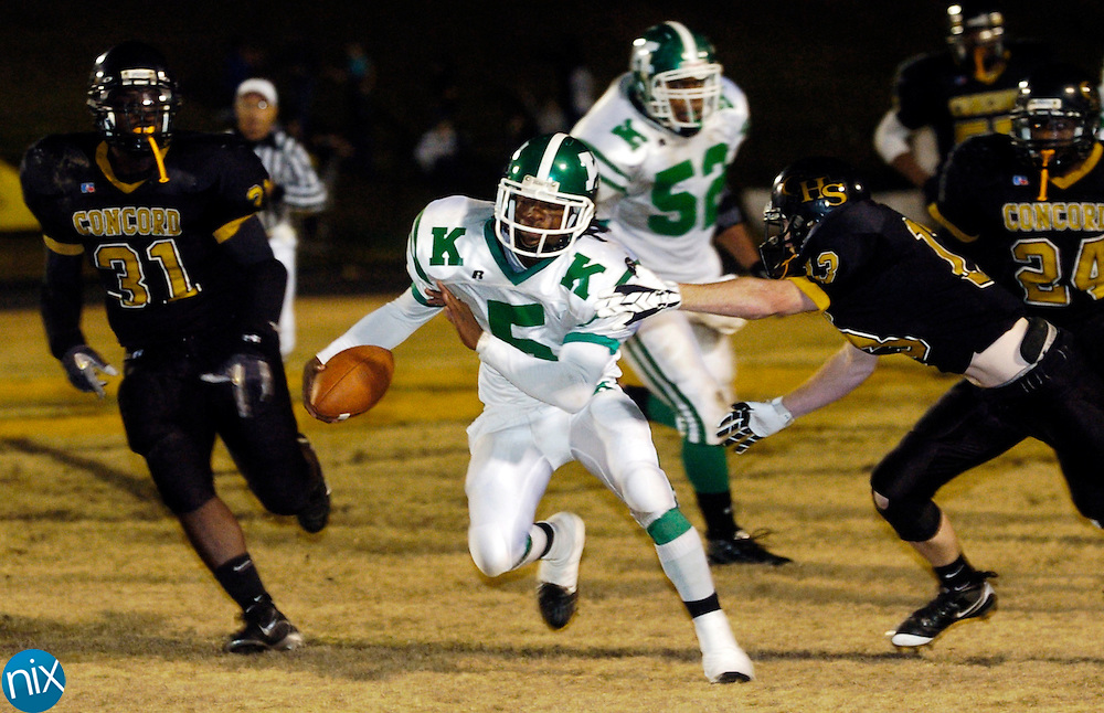 A.L Brown's Jamill Lott carries the ball against Concord during the annual Battle of the Bell game Friday Nov. 7, 2008. The Wonders defeated Concord 56-6 in the 78 annual meeting between the two teams.