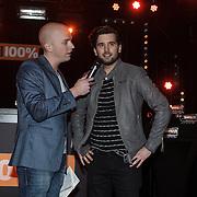NLD/Amsterdam/20150203 - Uitreiking 100% NL Awards 2015, Ruud Feltkamp rijkt award uit