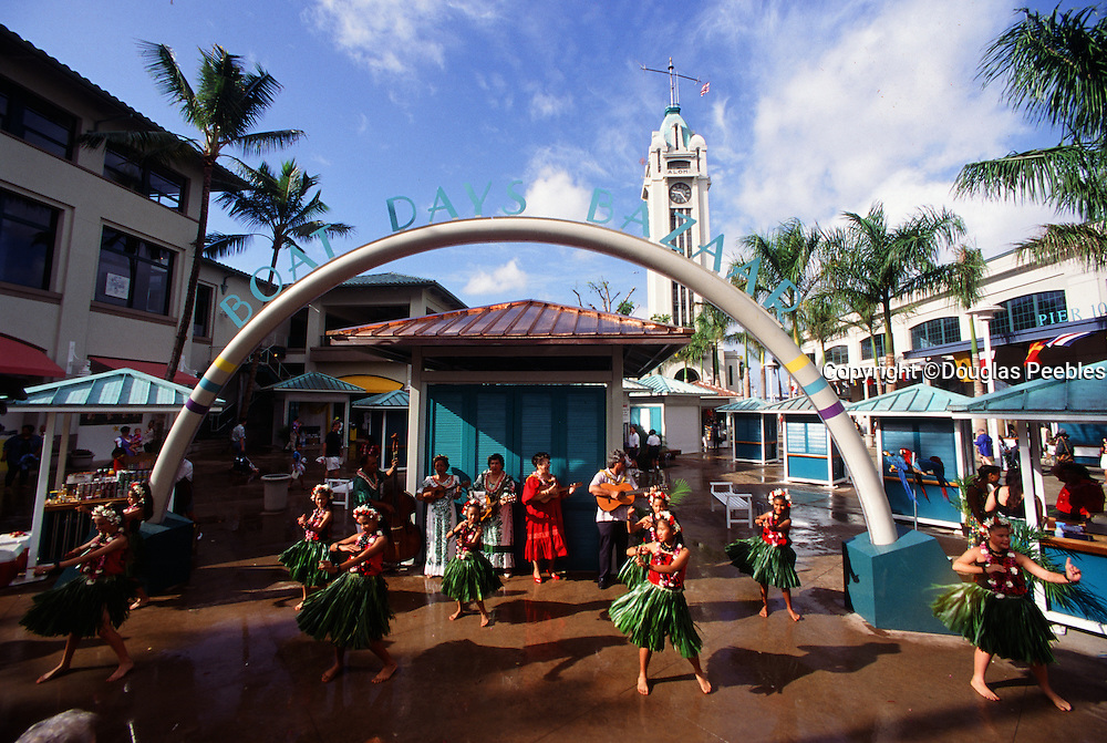 Hula Dancers, Aloha Tower, Honolulu, Oahu, Hawaii