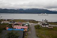 cruise boat - Diamond - Of the compagnie Ponant islands  Puerto Williams - Chile   /// bateau le DIAMANT, compagnie des iles du PONANT  Puerto Williams - Chili  /// CHILE002