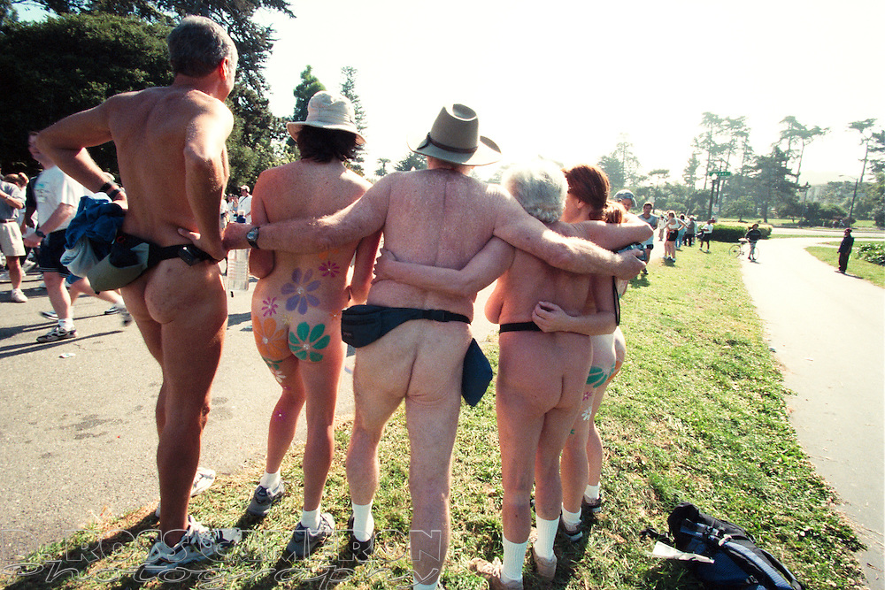 A couple of nude friends got their pictures taken in Golden Gate Park at the 90th running of the Bay to Breakers 12K race, Sunday, May 20, 2001 in San Francisco. (Photo by D. Ross Cameron)
