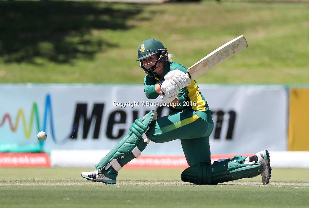 Dane van Niekerk of South Africa bats during the 2016 International ODI Womens cricket match between South Africa and New Zealand at Boland Park, Paarl on 16 October 2016 ©Chris Ricco/BackpagePix