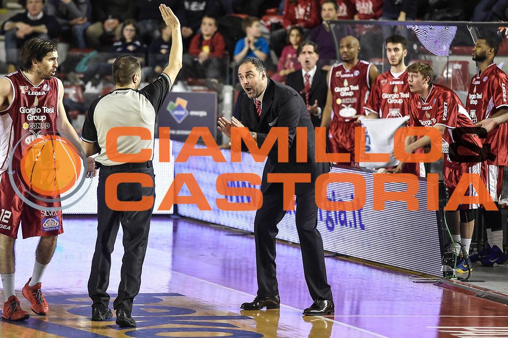 DESCRIZIONE : Campionato 2014/15 Virtus Acea Roma - Giorgio Tesi Group Pistoia<br /> GIOCATORE : Paolo Moretti<br /> CATEGORIA : Allenatore Coach Proteste Fair Play<br /> SQUADRA : Giorgio Tesi Group Pistoia<br /> EVENTO : LegaBasket Serie A Beko 2014/2015<br /> GARA : Dinamo Banco di Sardegna Sassari - Giorgio Tesi Group Pistoia<br /> DATA : 22/03/2015<br /> SPORT : Pallacanestro <br /> AUTORE : Agenzia Ciamillo-Castoria/GiulioCiamillo<br /> Predefinita :