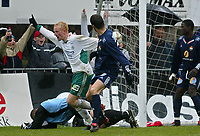 Hamar 040503 Fotball 1. divisjon. Espen Olsen fra Ham Kam jubler for 1-0. F.v. SIF- Vegard Hansen og Boureima Ouattara.<br /> <br /> Foto:Digitalsport