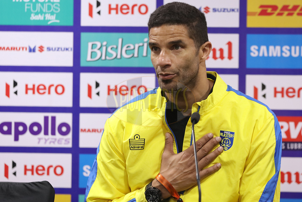 David James Head coach of Kerala Blasters FC at pc during match 43 of the Hero Indian Super League between Delhi Dynamos FC and Kerala Blasters FC  held at the Jawaharlal Nehru Stadium, Delhi, India on the 10th January 2018<br /> <br /> Photo by: Saikat Das  / ISL / SPORTZPICS