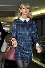 NOV 04  2014 Taylor Swift at Tokyo Airport