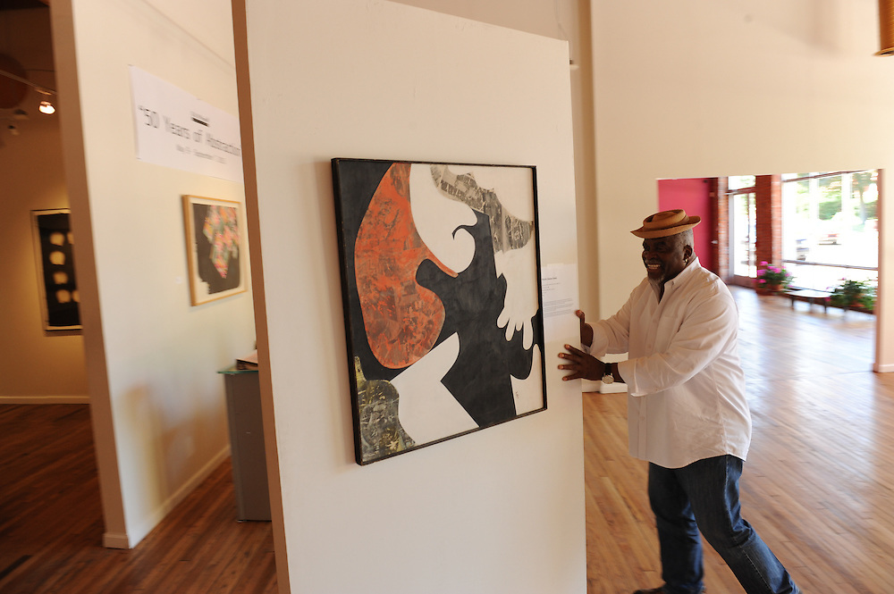Gallery owner George N'Namdi in his gallery in Detroit, Michigan, USA.<br /> <br /> Art in Detroit 2013<br /> &copy; Stefan Falke<br /> www.stefanfalke.com