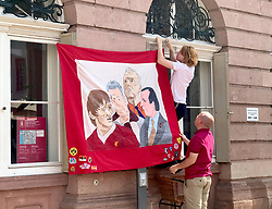 HEIDELBERG, GERMANY - Tuesday, August 145 2017: Liverpool supporters set-up their flags and banners at Marktplatz in Heidelberg ahead of the UEFA Champions League Play-Off 1st Leg match between TSG 1899 Hoffenheim and Liverpool. (Pic by David Rawcliffe/Propaganda)