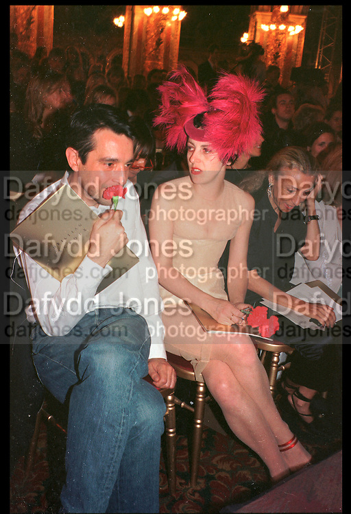 ISABELLA BLOW, Christian Lacroix couture show.  Paris. July 1998. SUPPLIED FOR ONE-TIME USE ONLY> DO NOT ARCHIVE. © Copyright Photograph by Dafydd Jones 248 Clapham Rd.  London SW90PZ Tel 020 7820 0771 www.dafjones.com