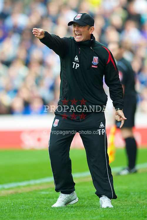 STOKE, ENGLAND - Saturday, May 1, 2010: Stoke City's manager Tony Pulis during the Premiership match against Everton at Britannia Stadium. (Photo by David Rawcliffe/Propaganda)