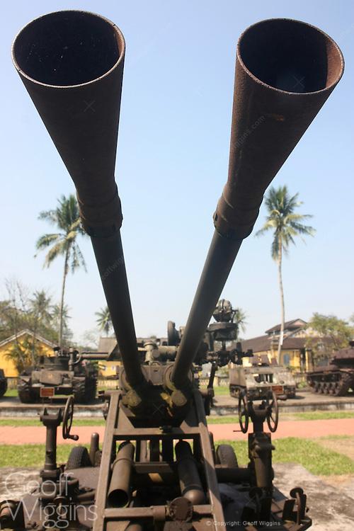 Vietnam anti-aircraft gun, | studio OCTAVIO