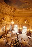 the dining room of Restaurant Louis XV-Alain Ducasse-Monte Carlo