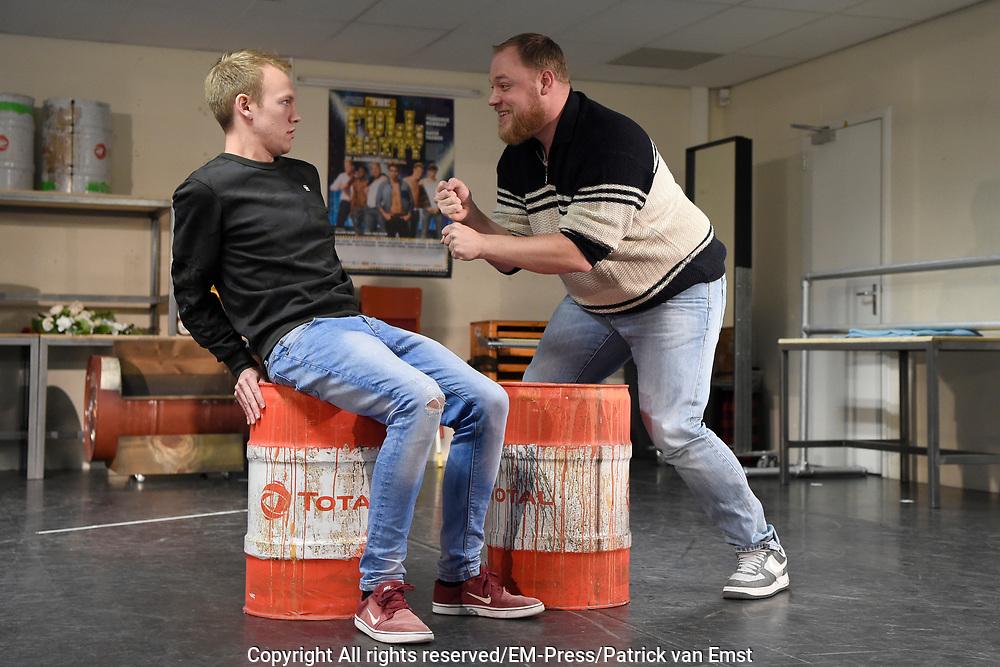Perspresentatie van de musical The Full Monty<br /> <br /> Op de foto:  Joey Ferre , Dennis Willekens en Kick Spijkerman