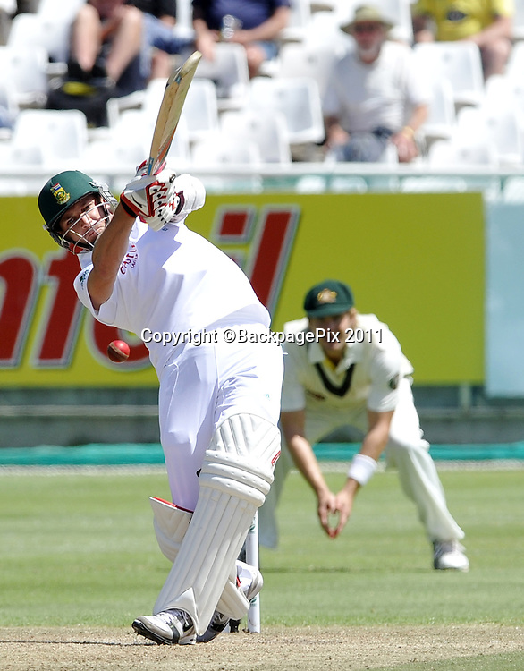 Dale Steyn of South Africa swings and misses a quick delivery. South Africa v Australia, first test, day 2, Newlands, South Africa. 10 November 2011<br /> <br /> <br /> &copy;Ryan Wilkisky/BackpagePix