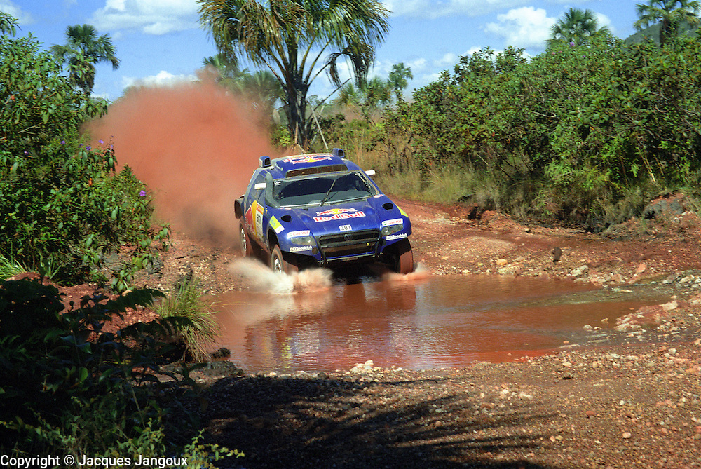 Rally dos Sertoes 2009, Brazil, South America. Carlos Sainz (Spain) twice World Rally Championship (WRC) champion (1990, 1992) driving a Volkswagen Touareg.
