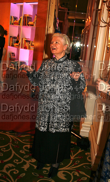 P.D. JAMES, 17th Annual Book Awards, hosted by richard and Judy. grosvenor House. London. 29 March 2006. ONE TIME USE ONLY - DO NOT ARCHIVE  © Copyright Photograph by Dafydd Jones 66 Stockwell Park Rd. London SW9 0DA Tel 020 7733 0108 www.dafjones.com