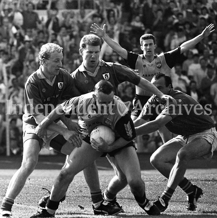 791-168 Football Leinster 1st Round: Meath 2-10 Dublin 0-15. July 6th 1991. Tom Burke (Part of the Independent Newspapers Ireland/NLI Collection)