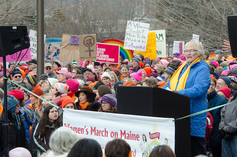 Augusta, Maine, USA. 21st Jan, 2017.  Julia Kahrl, Founder of Grandmothers for Reproductive Rights, addresses the Women's March on Maine rally in front of the Maine State Capitol. The March on Maine is a sister rally to the Women's March on Washington. Credit: Jennifer Booher/Alamy Live News
