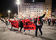 BILBAO, SPANIEN - 2017-11-02: Fans till &Ouml;stersunds FK marscherar till arenan inf&ouml;r UEFA Europa League group J matchen mellan Athletic Bilbao och &Ouml;stersunds FK p&aring; Estadio San Mam&eacute;s den 2 November, 2017 i Bilbao, Spanien. <br /> Foto: Nils Petter Nilsson/Ombrello<br /> ***BETALBILD***