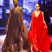 NLD/Hilversum/20141027 - Finale Holland Next Top Model 2014, Aisha Kazumba en Debbie Dhillon