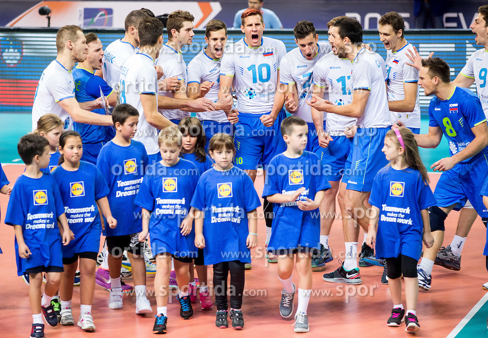 Players of Sloveniaprior to the volleyball match between National teams of Slovenia and Italy in 1st Semifinal of 2015 CEV Volleyball European Championship - Men, on October 17, 2015 in Arena Armeec, Sofia, Bulgaria. Photo by Vid Ponikvar / Sportida
