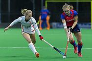 Bilthoven - SCHC - Oranje Rood Dames, Hoofdklasse Hockey Dames, Seizoen 2017-2018, 06-04-2018, SCHC - Oranje Rood 2-1, Lisa Scheerlinck (Oranje-Rood) en Kyra Fortuin (SCHC) <br /> <br /> (c) Willem Vernes Fotografie