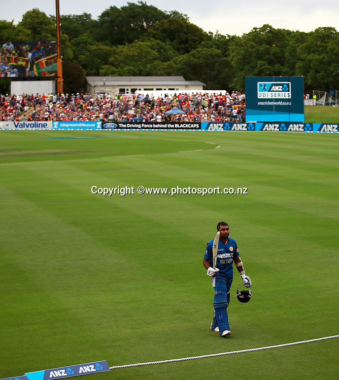 Mahela Jayawardene of Sri Lanka raises his bat after being dismissed after reaching his century during the first ODI between the Black Caps v Sri Lanka at Hagley Oval, Christchurch. 11 January 2015 Photo: Joseph Johnson / www.photosport.co.nz