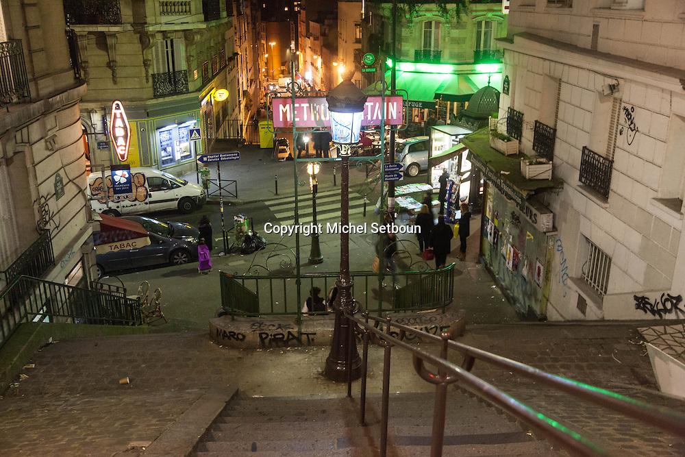 Paris, Lamarck Caulaincourt Subway entrance; , Guimard style.entree du metro a Lamarck Caulaincourt