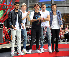 "AUG 23 2013 One Direction Performs On NBC's ""Today"""