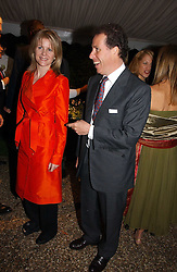 VISCOUNT & VISCOUNTESS LINLEY at the annual Chelsea Flower Show dinner hosted by jewellers Cartier at the Chelsea Pysic Garden, London on 22nd May 2006.<br />