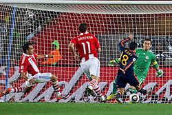 03-07-2010 VOETBAL: FIFA WORLDCUP 2010 SPANJE - PARAGUAY: JOHANNESBURG<br /> Kwartfinale WC 2010 Pedro of Spain vs Goelkeeper of Paraguay Justo Villar <br /> ©2010-FRH- NPH/ Vid Ponikvar (Netherlands only)